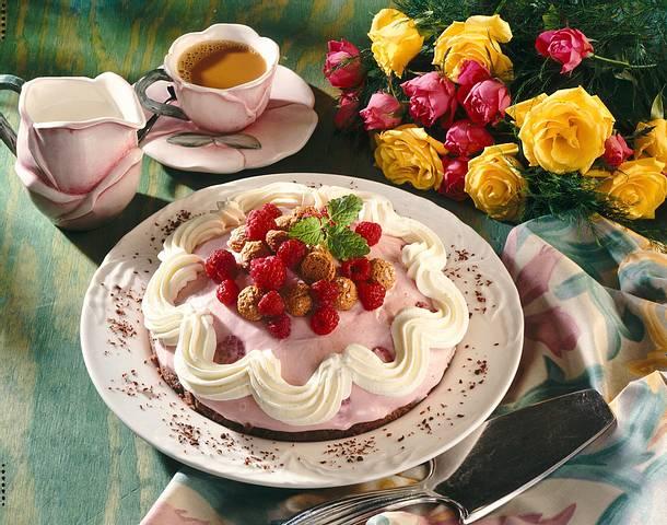 Schokoladen-Himbeer-Creme-Torte Rezept