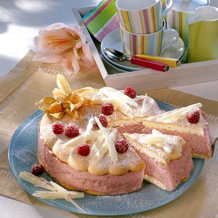 Schokoladen-Himbeermousse Torte mit Biskuitboden Rezept