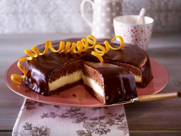 Schokoladen-Orangen-Torte mit Marzipan Rezept