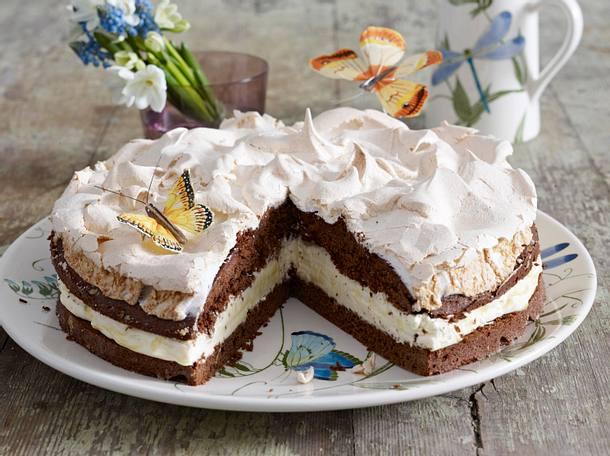 schokoladen schneemousse torte mit eierlik r sahne rezept chefkoch rezepte auf. Black Bedroom Furniture Sets. Home Design Ideas