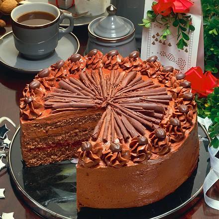 Schokoladencremetorte mit Cranberries Rezept