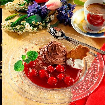 Schokoladenmousse mit Kirschkompott Rezept