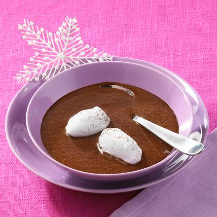 Schokoladensuppe mit Schneeklößchen Rezept