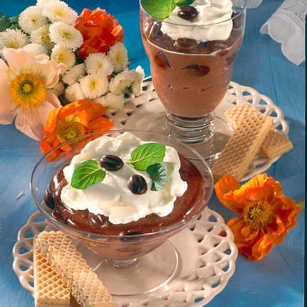 Schokopudding mit Vanillesahne Rezept