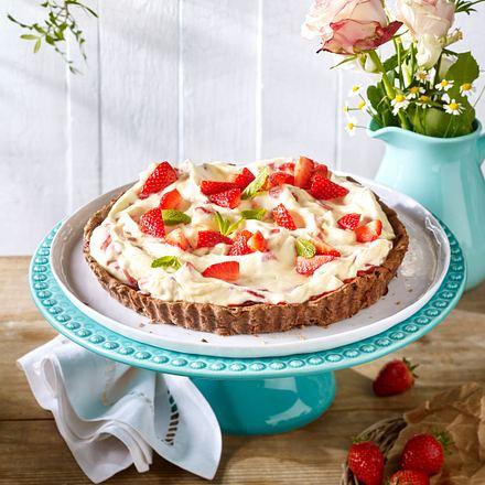 Schokotarte mit Erdbeer-Stracciatella-Creme Rezept