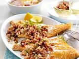Scholle Finkenwerder Art mit Kartoffel-Radieschen-Salat Rezept
