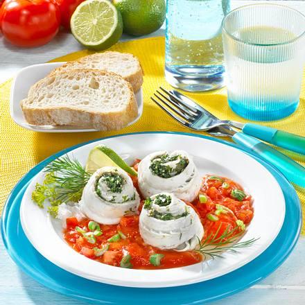 Schollenröllchen mit Kräutern und geschmorten Tomaten Rezept