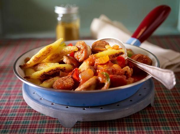 Schupfnudeln, Paprika und Bratwurst in Curry-Tomatensoße Rezept