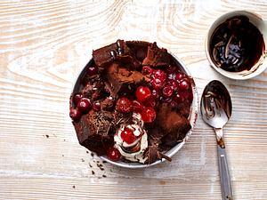 Schwarzwälder Kirsch-Brownie-Bowl Rezept