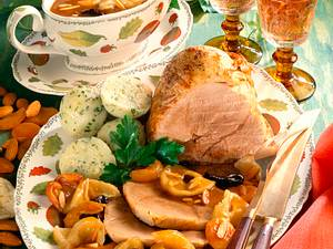 Schweine-Sauerbraten mit Backobst und Knödeln Rezept