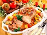 Schweinebraten mit Äpfeln, Tomaten und Kürbis Rezept