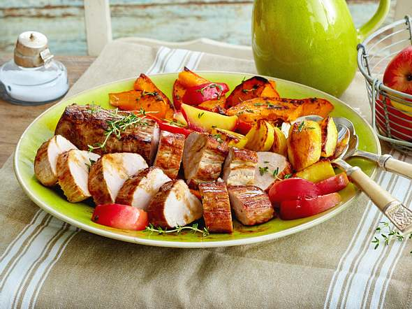 Schweinefilet auf Kürbis-Apfel-Gemüse Rezept