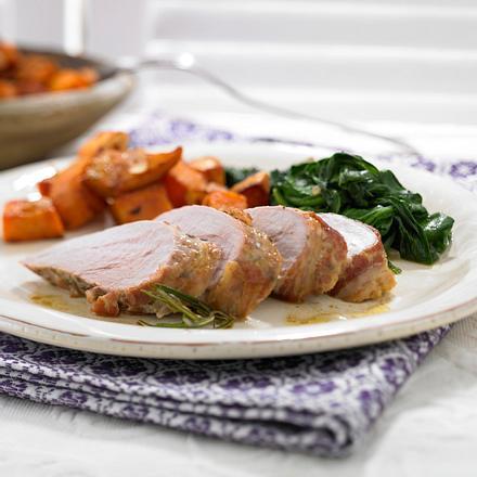 Schweinefilet mit Pancetta, Süßkartoffeln und Spinat Rezept
