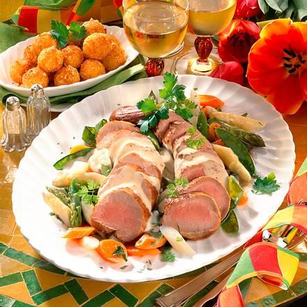Schweinefilet mit Sahne-Vermouth-Soße und Frühling Rezept