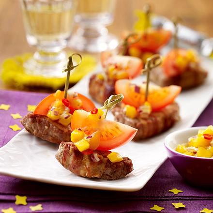 Schweinefilet-Schiffchen mit Mango-Chili-Salsa Rezept