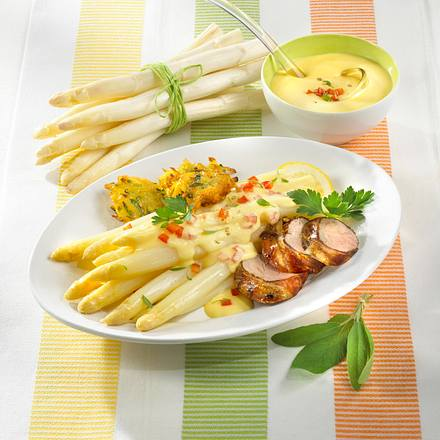 Schweinefilet zu Spargel und Zucchini-Kartoffelpuffer Rezept