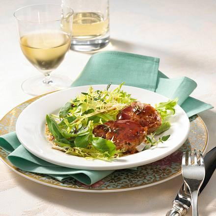 Schweinefilets in Portweingelee auf Salat/ Variante mit Preiselbeeren Rezept