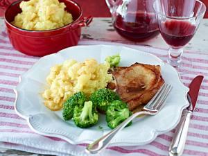 Schweinekotelett mit Apfel-Kartoffel-Püree Rezept