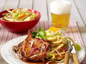 Schweinekotelett mit Malzbiersoße und Gemüsenudeln Rezept