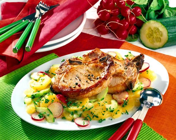 Schweinekoteletts auf lauwarmen Kartoffelsalat Rezept