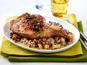 Schweinekoteletts mit Linsen-Möhren-Gemüse Rezept