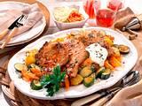 Schweinekoteletts mit Möhren-Zucchini-Gemüse Rezept