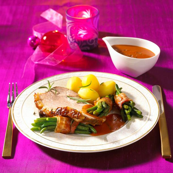 Schweinekrustenbraten mit grünen Bohnen Rezept