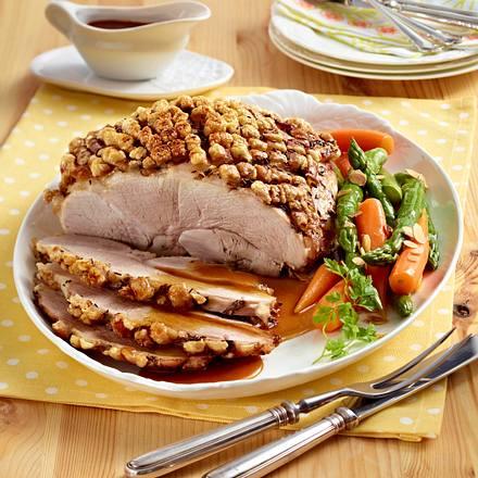 Schweinekrustenbraten mit Möhren-Spargel-Gemüse Rezept