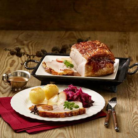 Schweinekrustenbraten mit Weihnachtsrotkohl Rezept