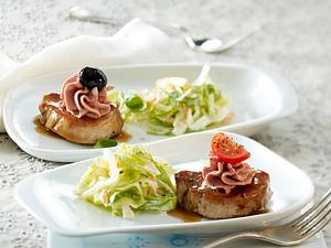 Schweinemedaillon-Platte mit knackigem Coleslaw Rezept