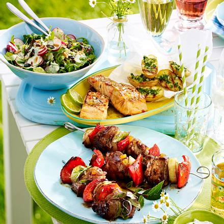 Schweinenackenspieße zu Radieschen-Salat Rezept
