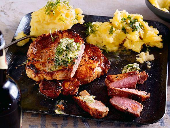 Schweinenackensteak mit Sellerie-Kartoffel-Stampf Rezept