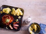 Schweinenackensteak mit Sellerie-Kartoffelstampf Rezept