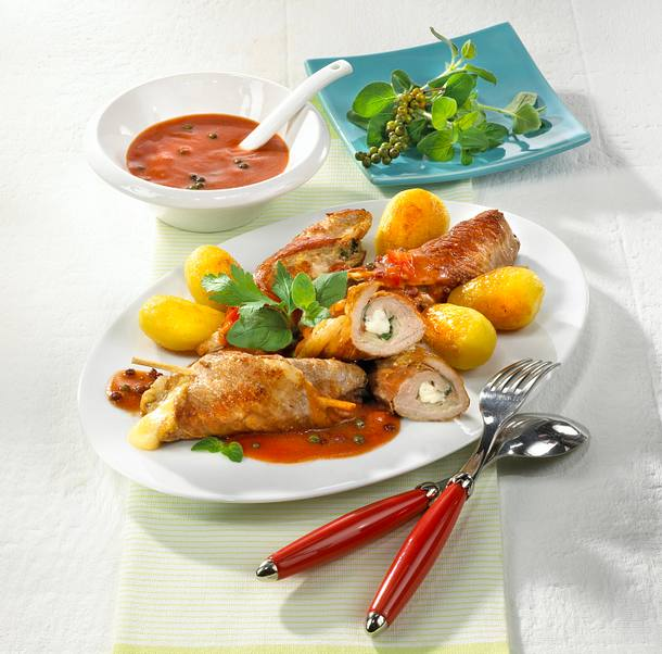 Schweinerouladen in Tomaten-Pfeffer-Rahm Rezept
