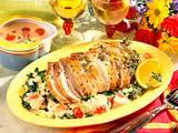 Schweinerücken mit Kräuter-Honig-Kruste auf Rahm-Wirsing Rezept