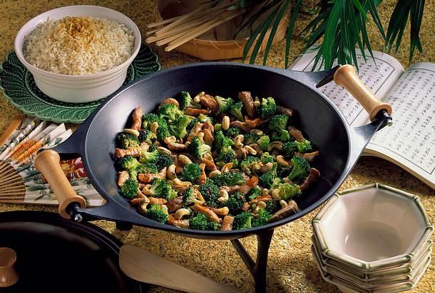Schweinesteak-Brokkoli-Wok Rezept