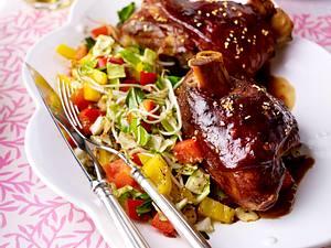 Schweinshaxe asiatisch zu Wokgemüse Rezept