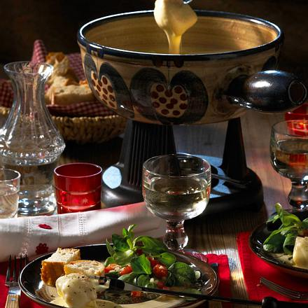 schweizer k sefondue rezept chefkoch rezepte auf kochen backen und schnelle gerichte. Black Bedroom Furniture Sets. Home Design Ideas
