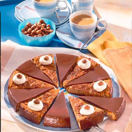 Sechstage-Haselnuss-Torte Rezept