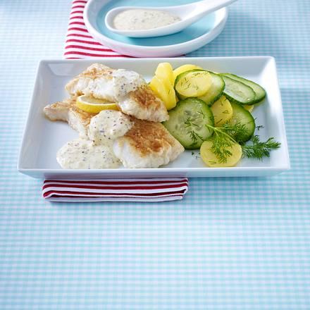 Seelachsfilet mit Senfsoße und Kartoffel-Gurken-Salat Rezept
