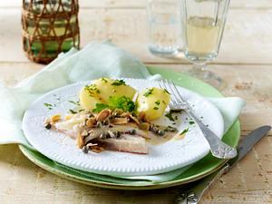 Seezunge mit Kapern, Calvadossahne und Kartoffeln (VOX Promi-Dinner Egon Wellenbrink) Rezept