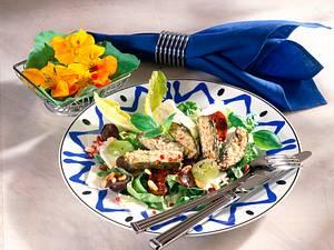 Selbst gefüllte Weinblätter auf Traubensalat Rezept