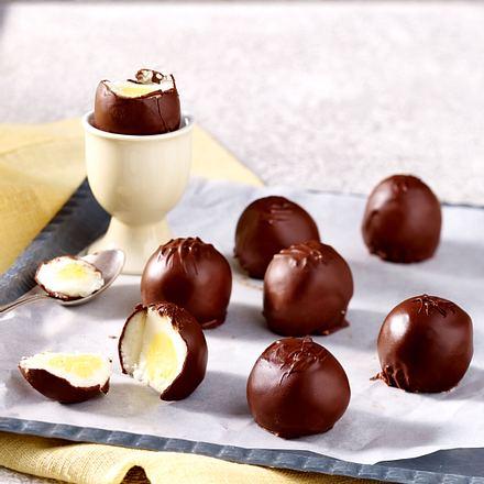 Selbstgemachte Schoko-Creme-Ostereier (Cadbury Eggs) Rezept