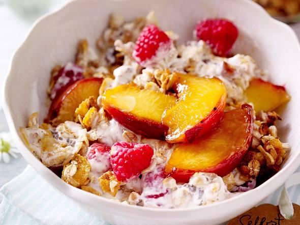 Selbstgemachtes Früchte-Crunch-Müsli Rezept