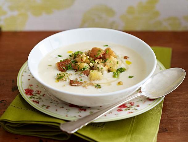 Sellerie-Parmesan-Suppe mit Honigcroûtons Rezept