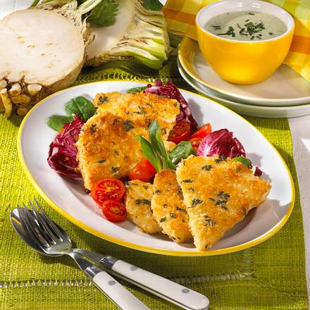 Sellerieschnitzel auf Salat Rezept