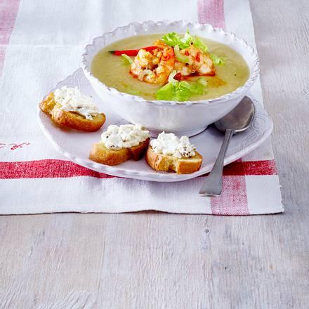 Selleriesuppe mit Chili-Garnelen und Crostini Rezept