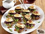 Semmelknödel-Burger mit Gänsefleisch und Rotkohl  Rezept