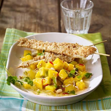 Sesam-Hähnchenspieße auf pikanter Mangosalsa Rezept
