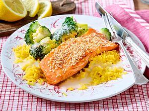 Sesam-Lachs auf Express-Curryreis Rezept